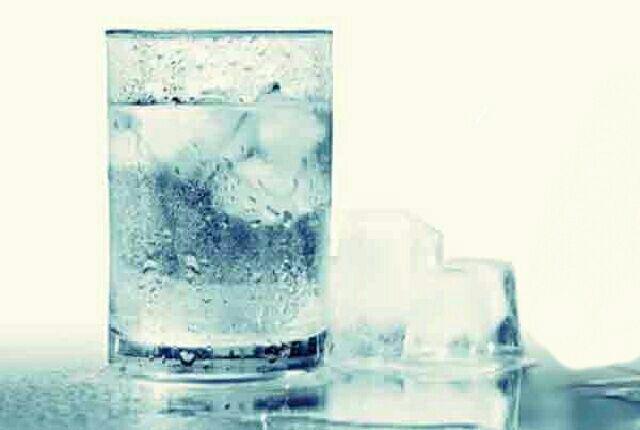 آب یخ.jpg