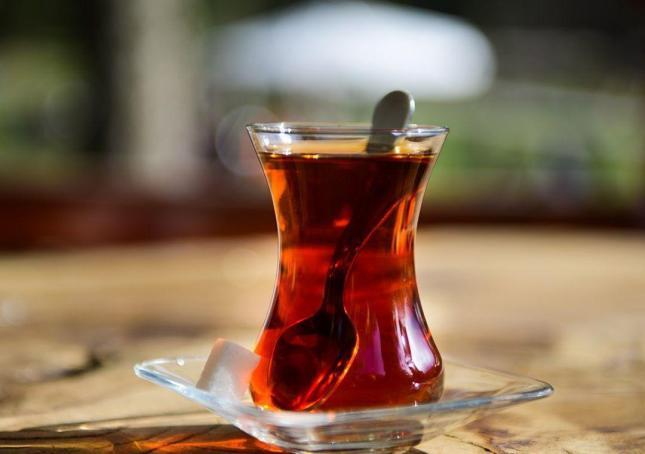 استکان چای.jpg