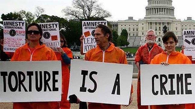 شکنجه جرم است.jpg